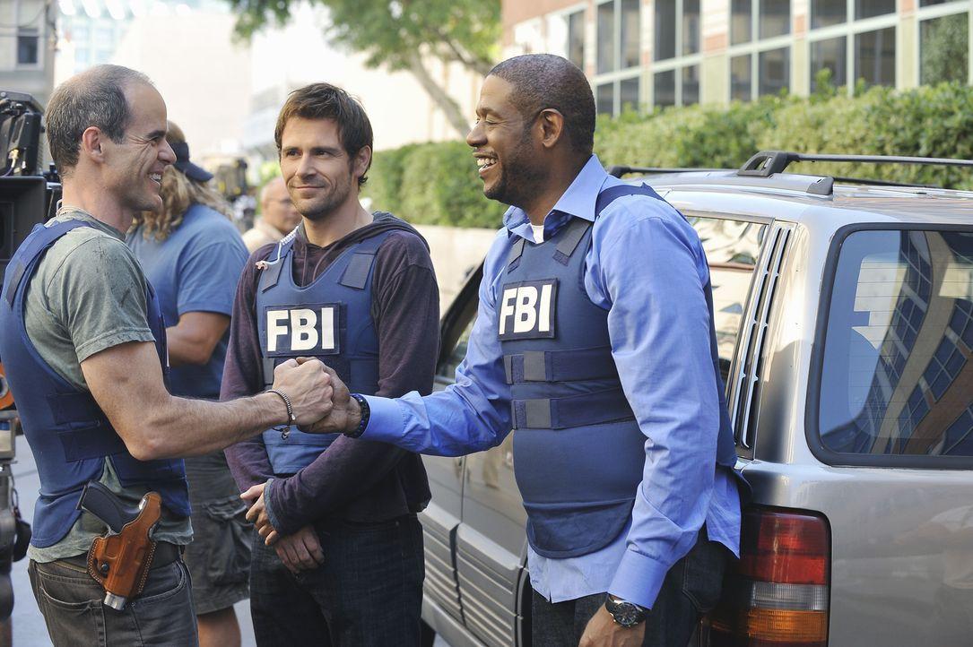 Haben es wieder einmal geschafft, und einen Fall erfolgreich gelöst: Mick (Matt Ryan, M.), Sam (Forest Whitaker, r.) und John (Michael Kelly, l.) ... - Bildquelle: ABC Studios