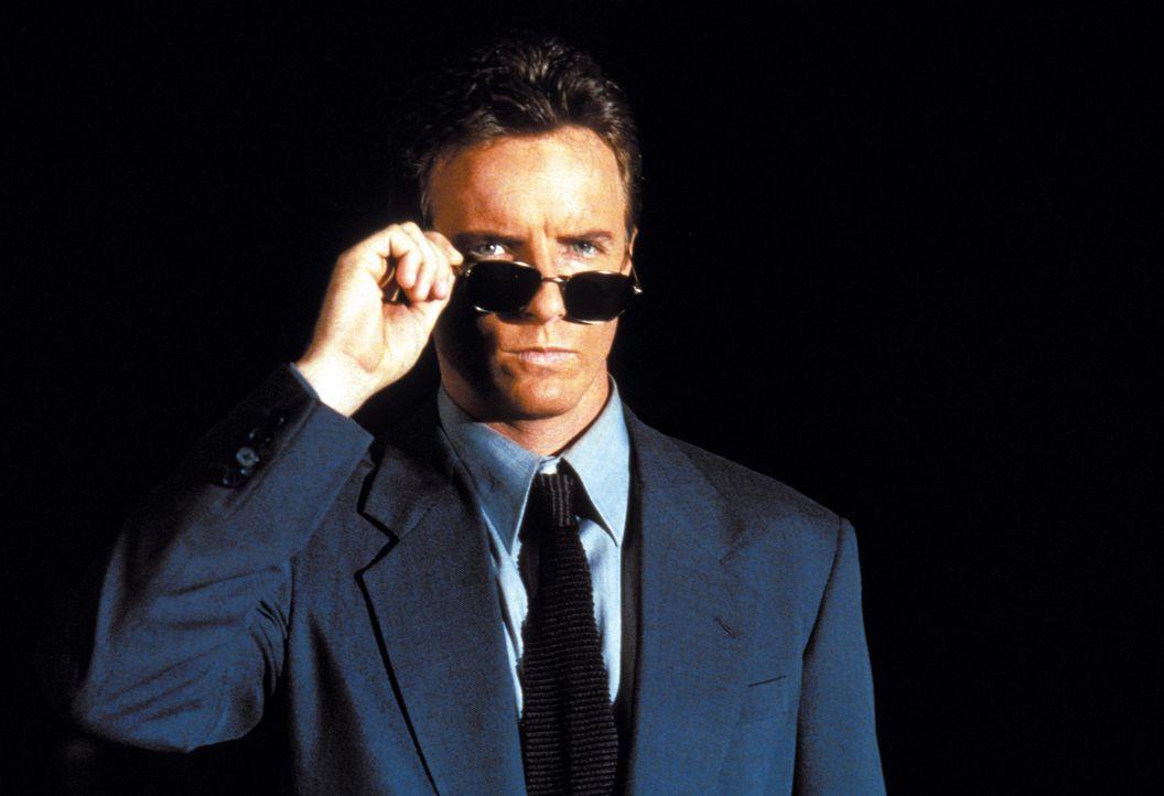 Der Martial-Arts-Kämpfer Johnny Cage (Linden Ashby) muss um jeden Preis den Kampf gewinnen. Das Schicksal der Erde steht auf dem Spiel ...