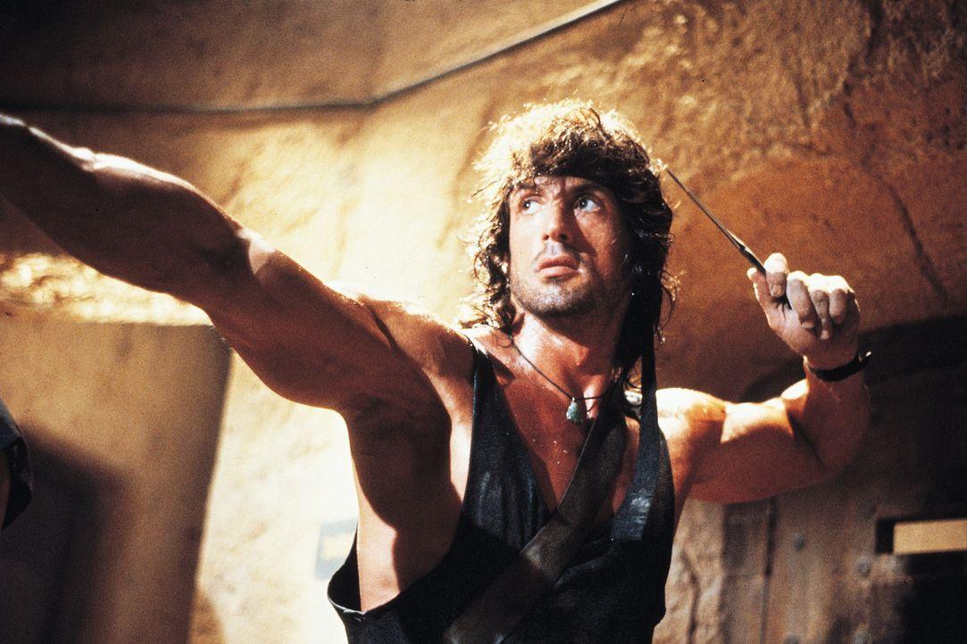 Mutig schlägt sich Rambo (Sylvester Stallone) in der Schlacht gegen russische Kidnapper ... - Bildquelle: 1988 STUDIOCANAL. All Rights Reserved.