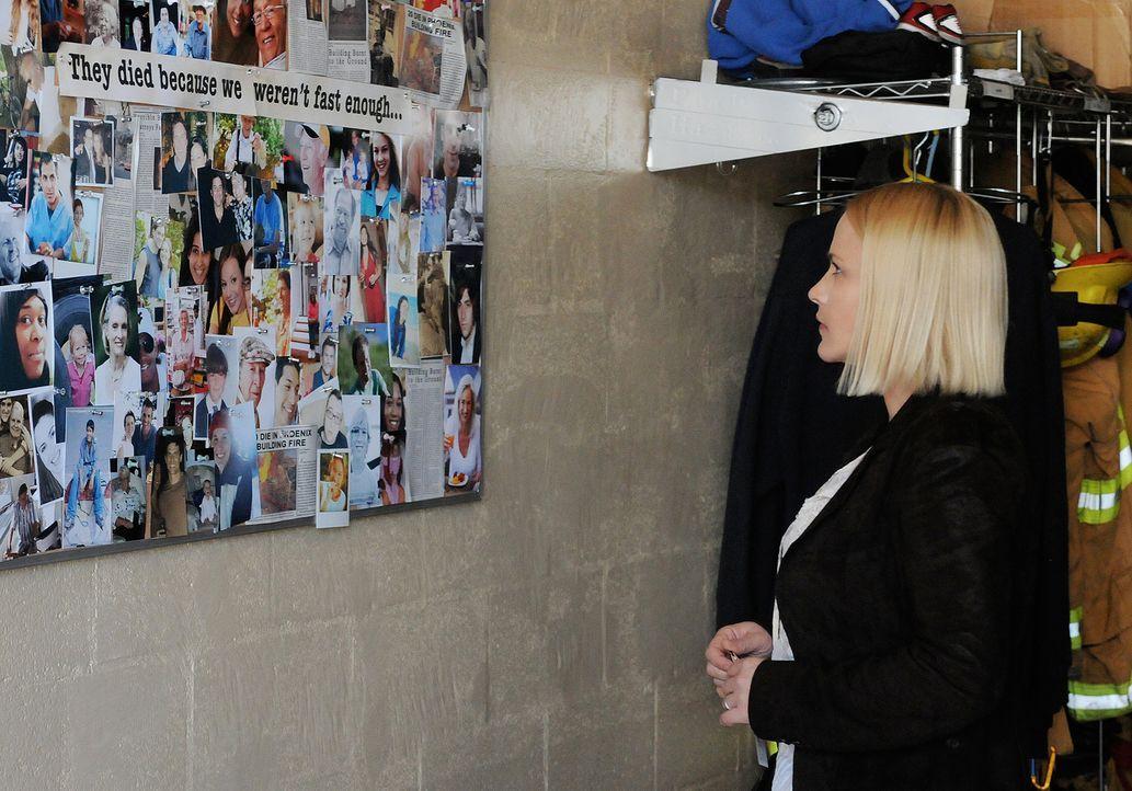 Während Devalo in Phoenix einen Drogenboss ins Gefängnis bringen will, macht sich Allison (Patrica Arquette) auf die Suche nach Hinweisen, um einem... - Bildquelle: Michael Yarish 2010 CBS BROADCASTING INC. All Rights Reserved.