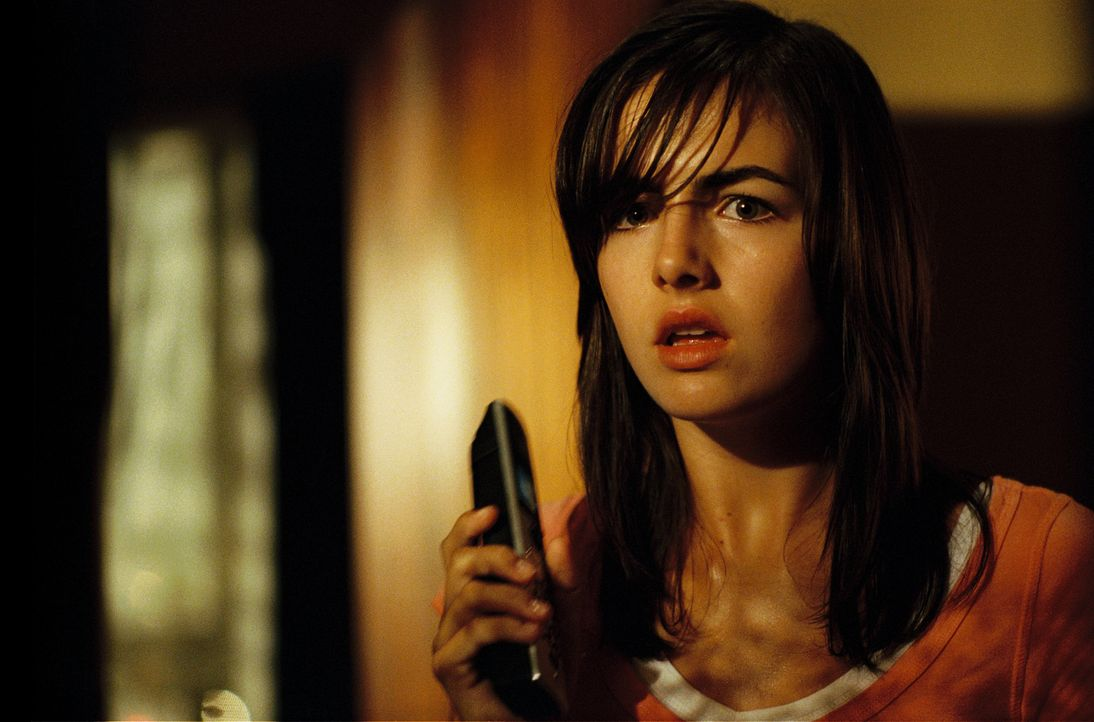 """Hast du nach den Kindern gesehen?"" Der unheimliche Anrufer scheint jeden von Jills (Camilla Belle) Schritten zu verfolgen ... - Bildquelle: 2006 Screen Gems, Inc. All Rights Reserved."
