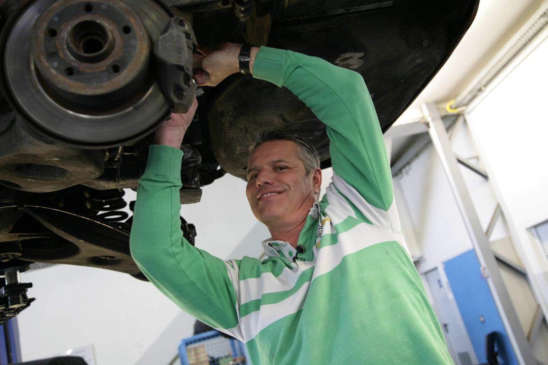 Pünktlich zum 60. Geburtstag der Mercedes SL-Baureihe startet kabel eins die 17. Umbauaktion. Ein 350 SL der Baureihe R 107 wird in wenigen Wochen... - Bildquelle: kabel eins
