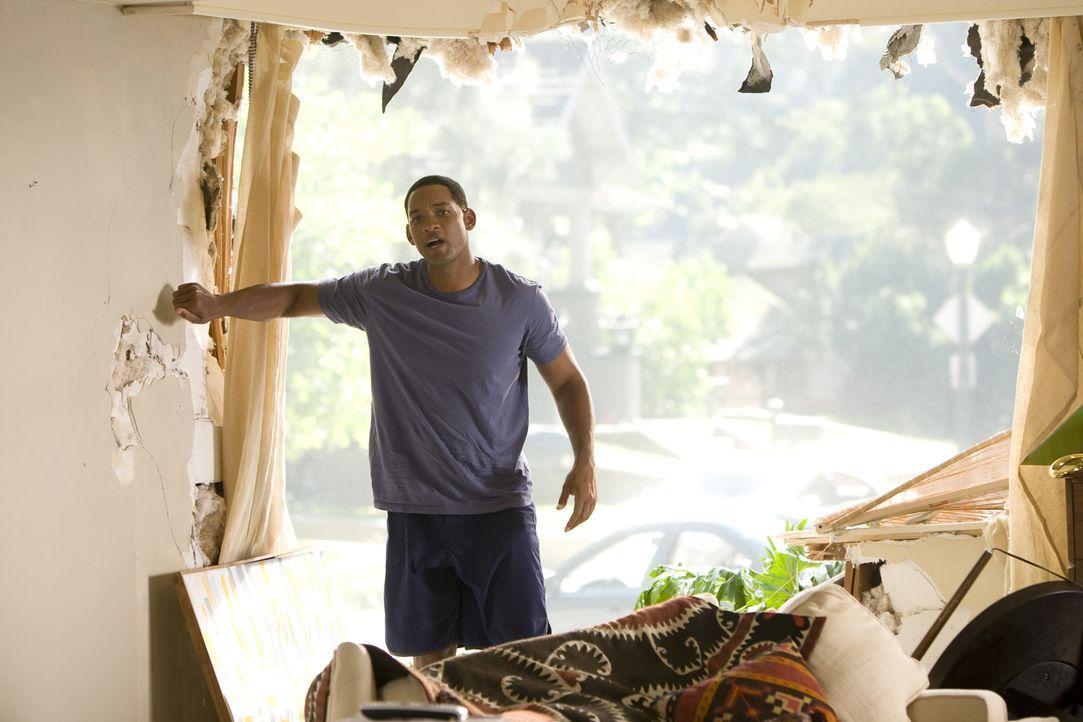 Wegen einiger gewaltiger Missgeschicke bei seinen Rettungsaktionen ist die Bevölkerung von L. A. nicht allzu gut auf den tollpatschigen Helden Hanco... - Bildquelle: Sony Pictures