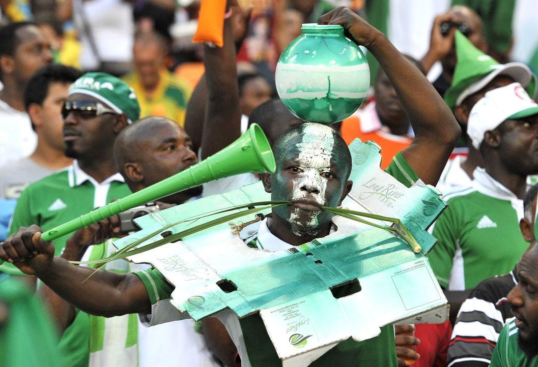 WM-Brasilien-Nigeria-Fan-Pappe-Issouf-Sanogo-AFP - Bildquelle: Issouf Sanogo/AFP