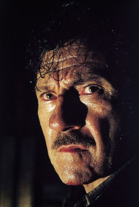 Chief Klough (Harvey Keitel) - Bildquelle: 2000. Universal Pictures (USA), Dino de Laurentiis & CANAL +. All rights reserved.