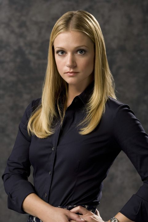 """(3. Staffel) - Mitglied der B.A.U., einer FBI-Einheit, die sich mit verhaltensauffälligen Tätern beschäftigt:  Jennifer """"J.J."""" Jareau (A.J. Cook)... - Bildquelle: Touchstone Television"""
