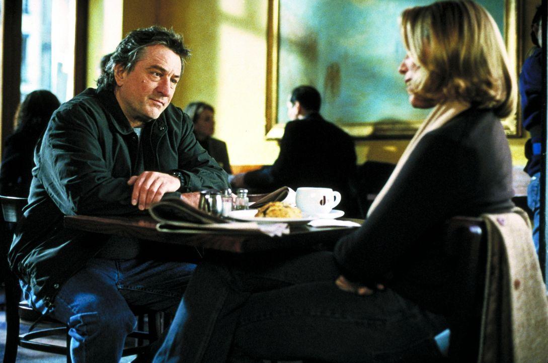 Detective Vincent LaMarca (Robert De Niro, l.); Michelle (Frances McDormand, r.) - Bildquelle: Beta Film