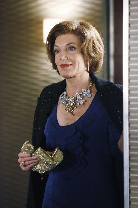 Susan Sullivan spielt Martha Rogers - Bildquelle: ABC Studios