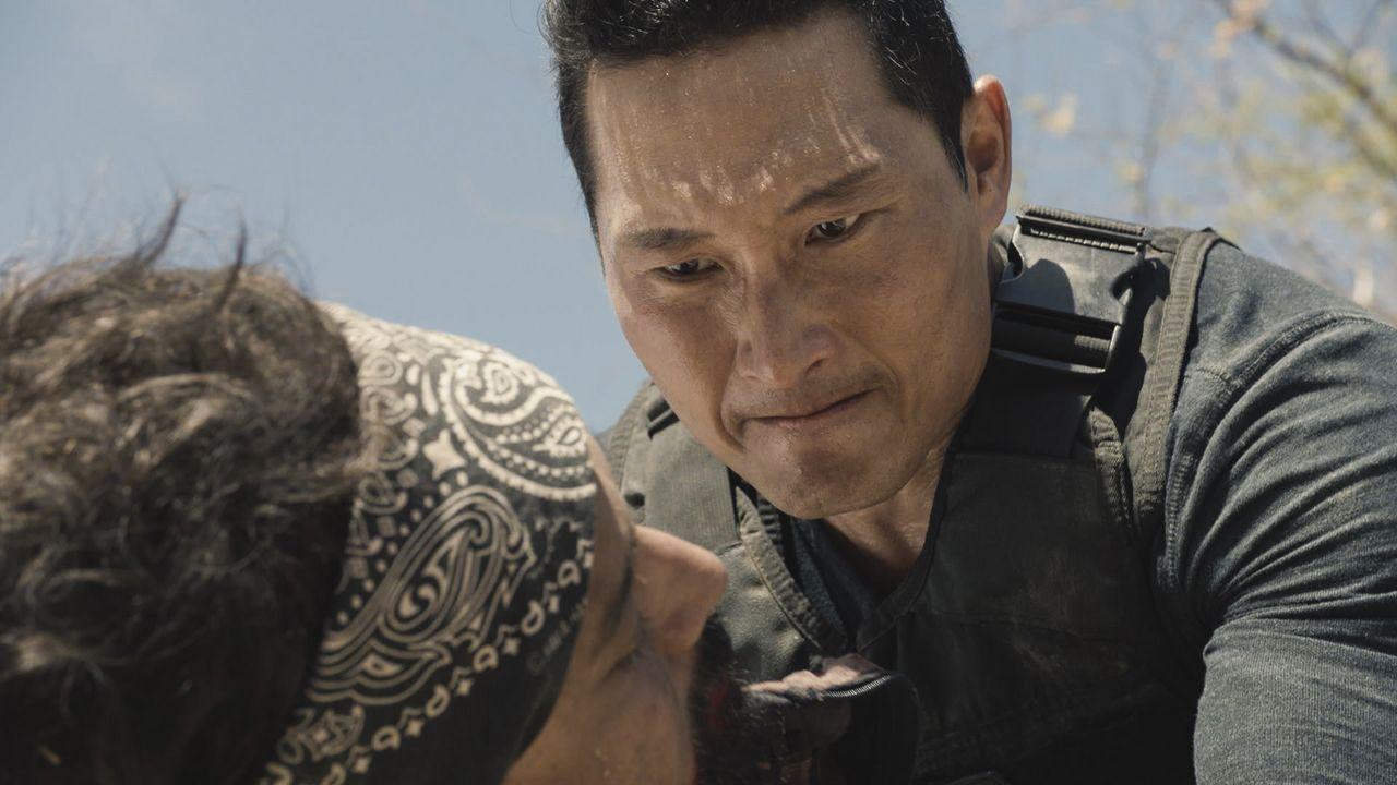Das Team um Steve eilt nach Mexiko, wo sich Chin (Daniel Dae Kim) in Lebensgefahr begibt, um Sara zu retten, seine entführte Nichte ... - Bildquelle: 2016 CBS Broadcasting, Inc. All Rights Reserved
