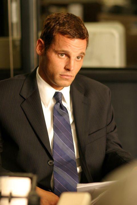 Weiß Chris Lassing (Justin Chambers) mehr, als er zugibt? - Bildquelle: Warner Bros. Television
