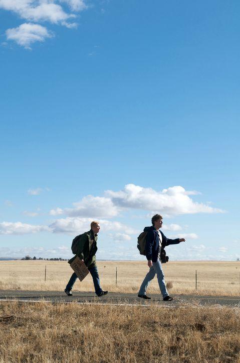 Wie kommt man von New York nach San Francisco, wenn man kein Geld hat? Zu Fuß! Doch haben Tom (Matthias Schweighöfer, l.) und Veit (Friedrich Mücke,... - Bildquelle: Sony Pictures Television Inc. All Rights Reserved.
