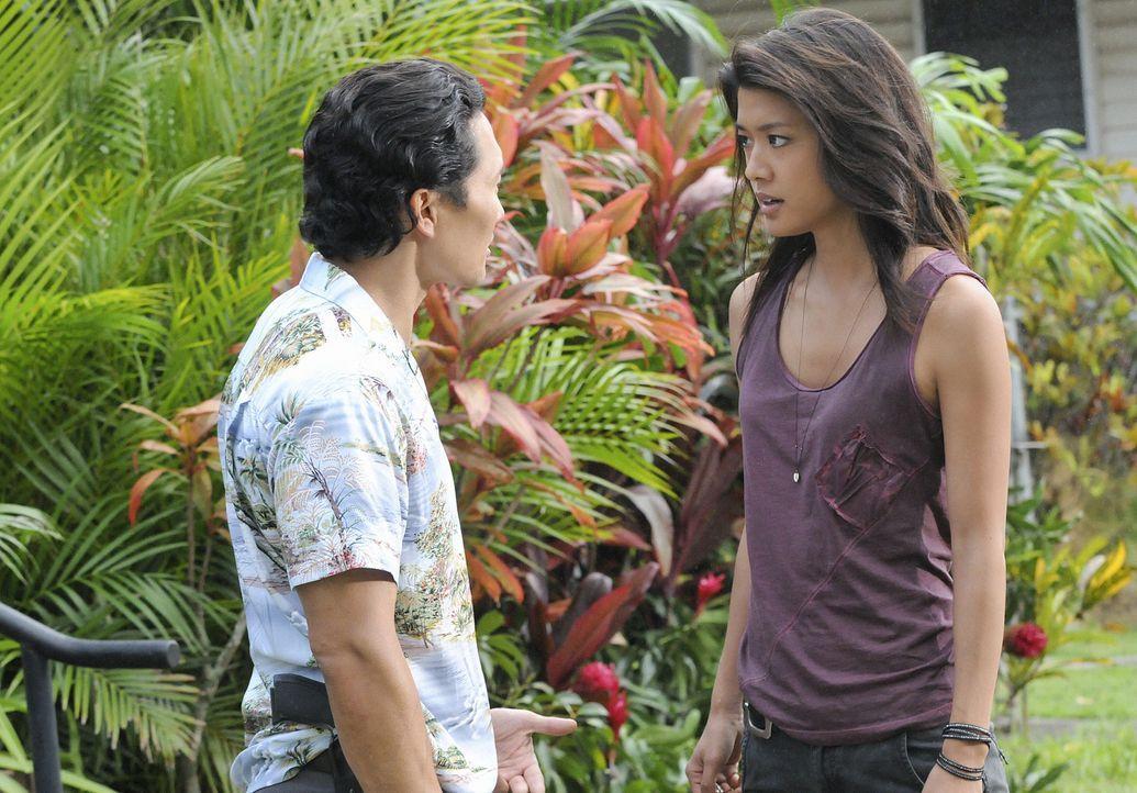 Nach und nach findet Chin (Daniel Dae Kim, l.) heraus, was Kono (Grace Park, r.) getan hat ... - Bildquelle: TM &   CBS Studios Inc. All Rights Reserved.