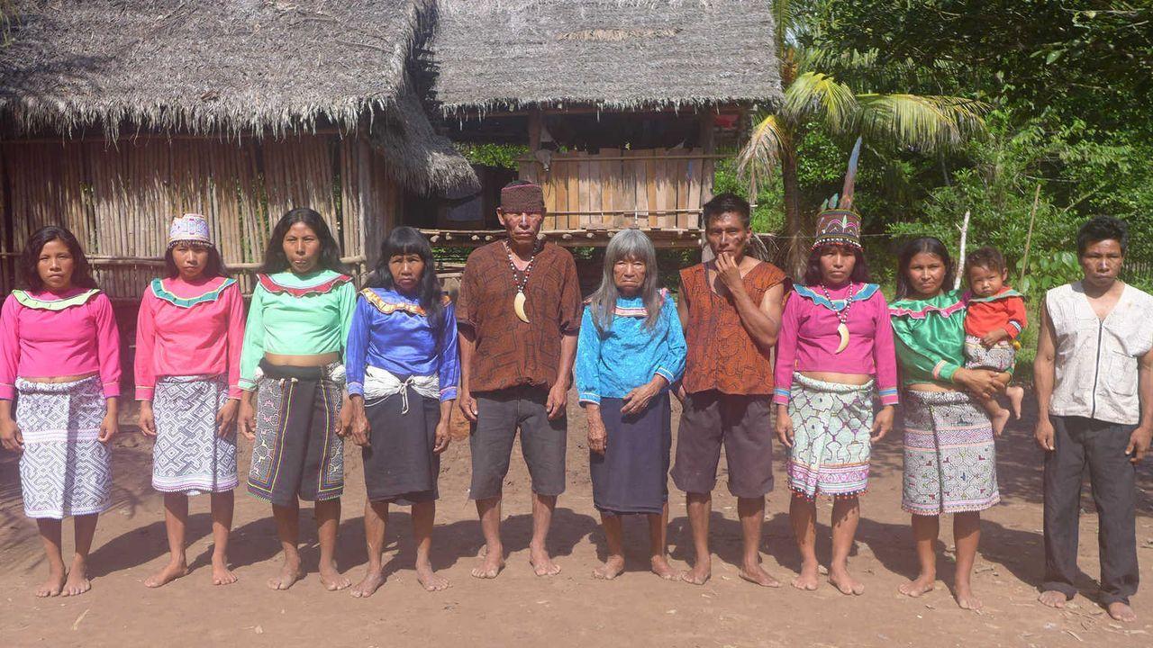 Bei Soy und Carmen, Angehörigen eines Stammes der Shipibo-Indianer, sollen Dennis und Christian lernen, was es bedeutet, Verantwortung zu übernehmen... - Bildquelle: SAT.1