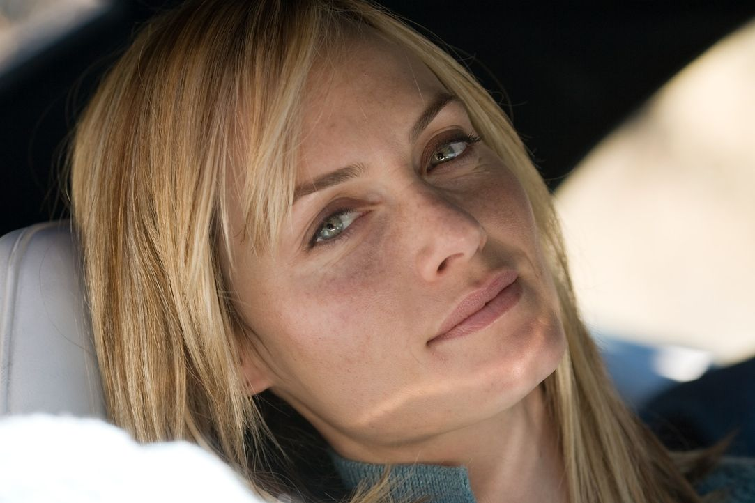 Als ihr Mann zum Tode verurteilt wird, gerät ihr Leben völlig aus den Fugen: Angie (Amber Valetta) ... - Bildquelle: TM & Copyright   Lakeshore Entertainment Group. LLC. and Lionsgate. All rights reserved.