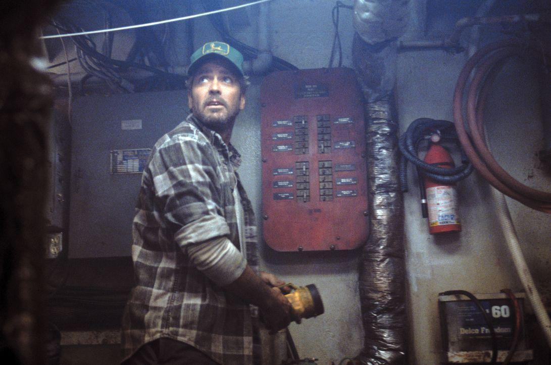 """Nach einer wenig erfolgreichen Fischereisaison fährt Captain Billy Tyne (George Clooney) mit seinem Boot, der """"Andrea Gail"""", noch einmal im Spätherb... - Bildquelle: Warner Bros. Pictures"""