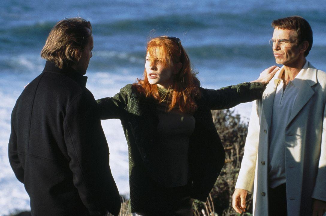 Geisel Kate (Cate Blanchett, M.) entpuppt sich schon bald als Herzensbrecherin der zwei ausgekochten Bankräuber Joe (Bruce Willis, l.) und Terry (B... - Bildquelle: Metro-Goldwyn-Mayer