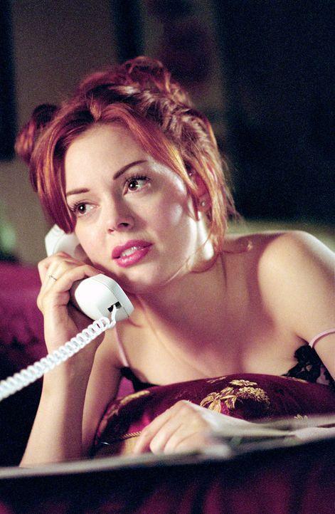 Um ihren Ex-Freund für sich zu haben, verbannt Paige (Rose McGowan) die Auserwählte von Glenn in die Hölle ... - Bildquelle: Paramount International Television