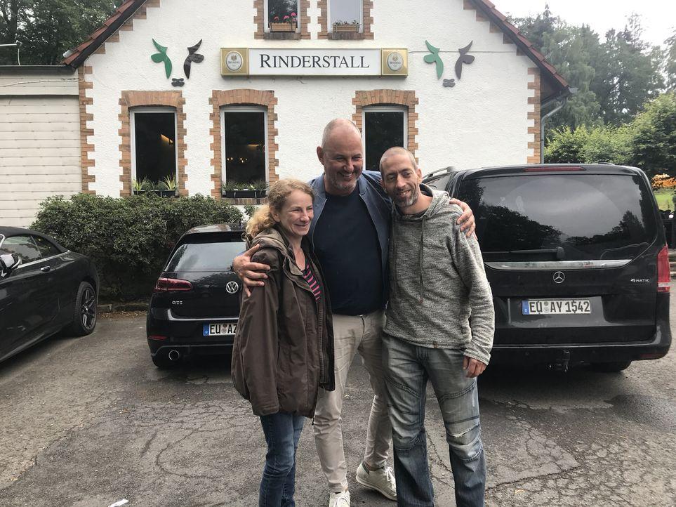Doreen Werner (l.); Frank Rosin (Mitte) - Bildquelle: Kabel Eins