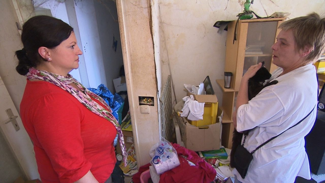 Gelingt es Nada (l.), Andrea (r.) ein neues Reich in den alten vier Wänden zu schaffen? - Bildquelle: kabel eins
