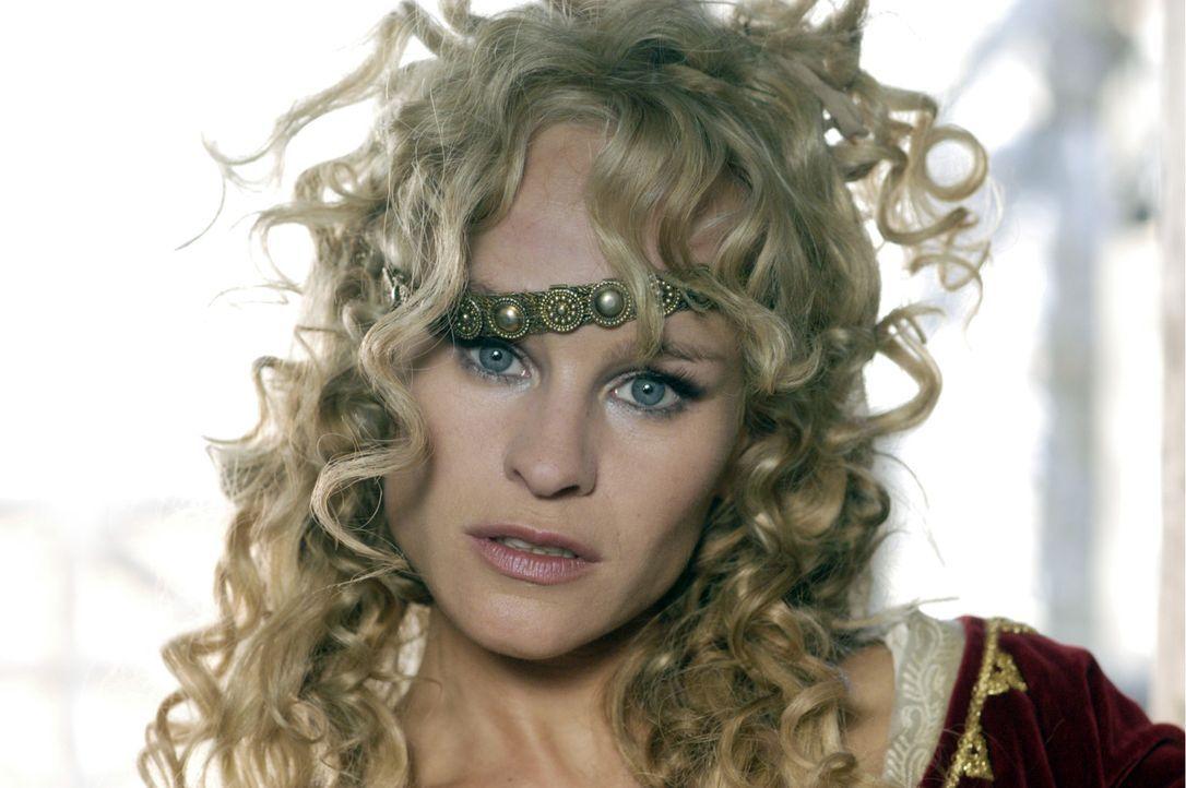 Die geldgierige Prinzessin Kriemhild (Dorkas Kiefer) will unbedingt an den Schatz der Nibelungen herankommen … - Bildquelle: Constantin Film