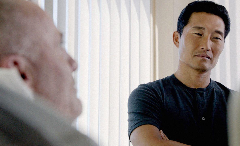 Um Danny zu helfen, seinen Bruder vor dem sicheren Tod zu retten, riskiert Chin (Daniel Dae Kim, r.) alles ... - Bildquelle: 2014 CBS Broadcasting Inc. All Rights Reserved.