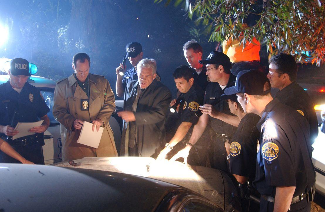 Die Polizei ist ratlos! Sie wissen im Fall Laci Peterson nicht mehr weiter; das Mädchen scheint verloren.... - Bildquelle: 2004 Sony Pictures Television Inc. All Rights Reserved.