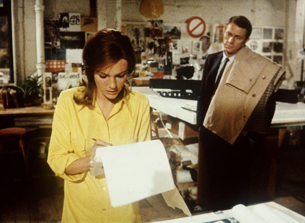 Cathy (Jacqueline Bisset, l.) hat große Probleme damit, dass ihr Freund Frank Bullitt (Steve McQueen, r.) so wenig Zeit für sie hat ... - Bildquelle: Warner Bros.