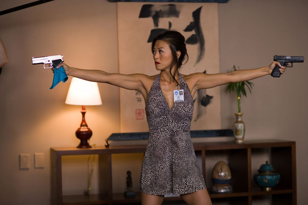 Vielseitig begabt: Sun Yi (Sung Hi Lee) ... - Bildquelle: 2009 Sony Pictures Home Entertainment Inc. All Rights Reserved.
