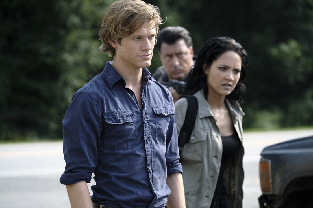 MacGyver (Lucas Till, l.); Riley Davis (Tristin Mays, r.) - Bildquelle: Guy D'Alema 2018 CBS Broadcasting, Inc. All Rights Reserved. / Guy D'Alema