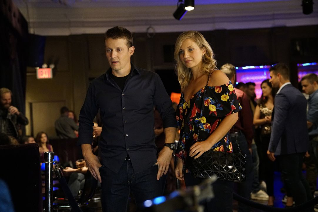 Jamie (Will Estes, l.); Eddie Janko (Vanessa Ray, r.) - Bildquelle: John Paul Filo 2017 CBS Broadcasting Inc. All Rights Reserved.