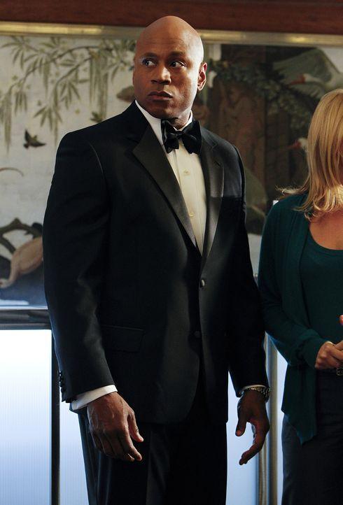 Nimmt gemeinsam mit seinem Kollegen die Ermittlungen in einem neuen Fall auf: Sam (LL Cool J) ... - Bildquelle: CBS Studios Inc. All Rights Reserved.