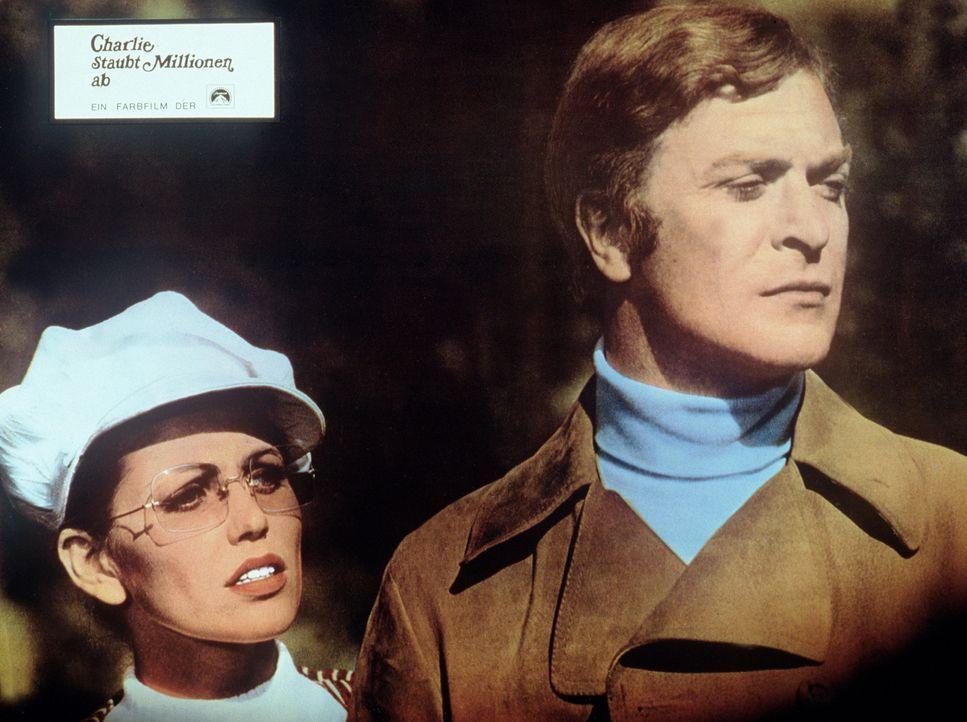 Ahnt Lorna (Margaret Blye, l.), dass Charlie (Michael Caine, r.) ein bekannter Meisterdieb ist?
