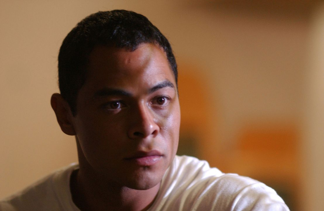 Wird der 17-jährige Drogendealer Gabriel Garcia (Jose Pablo Cantillo) das Angebot des Gefängnislehrers annehmen? - Bildquelle: CPT Holdings, Inc.  All Rights Reserved.