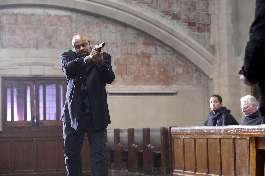 Unterstützt Christopher Chance bei einem neuen Auftrag: Winston (Chi McBride) ... - Bildquelle: Warner Brothers