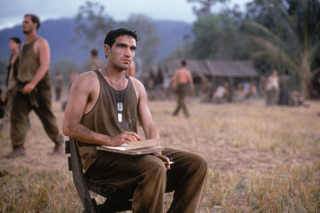 Auf Guadalcanal soll die C Company eine strategisch wichtige Stellung der Japaner einnehmen. Für den verliebten Private Bell (Ben Chaplin) beginnt e... - Bildquelle: 1998 Twentieth Century Fox Film Corporation. All rights reserved.