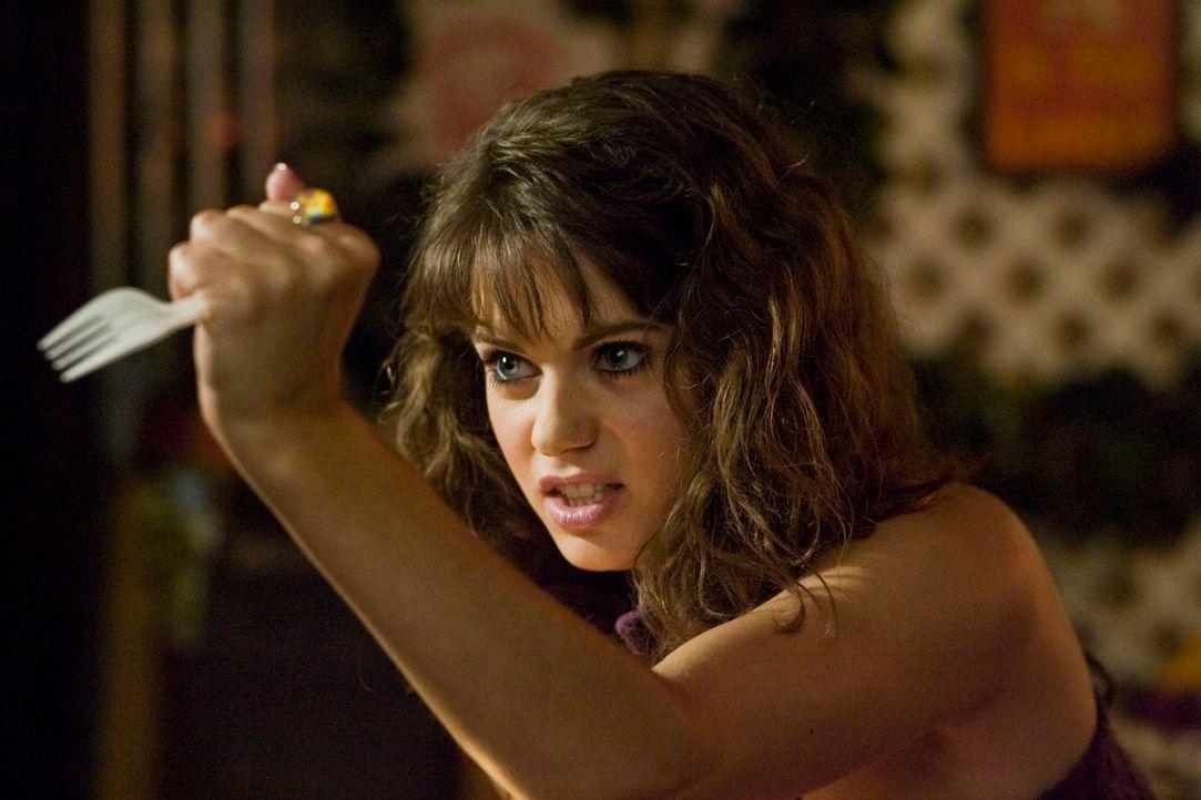 Während Adam noch hadert, wie er mit Jenny (Lyndsy Fonseca) Schluss machen soll, beendet sie die Beziehung. Trotzdem wird er wieder mit der Gabel tr... - Bildquelle: 2010 Twentieth Century Fox