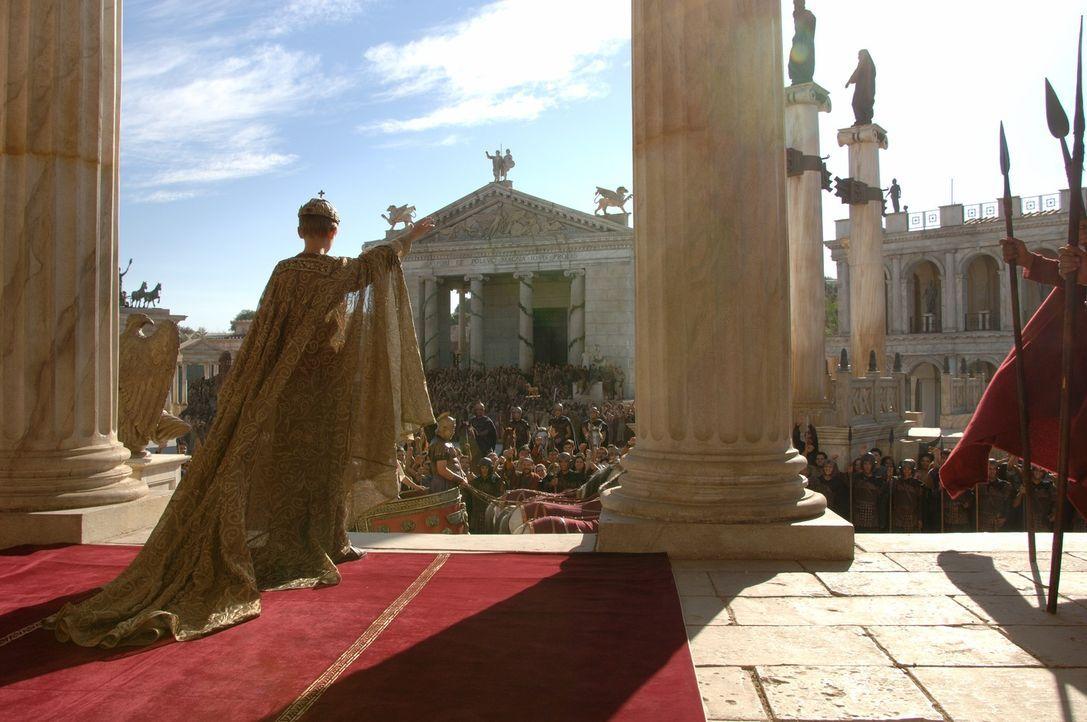 Am Tag seiner Krönung muss der erst 12-jährige Kaiser Romulus Augustus (Thomas Sangster) erleben, wie Barbaren seine Eltern töten, Rom in Brand setz... - Bildquelle: TOBIS Filmkunst GmbH & Co. Verleih KG