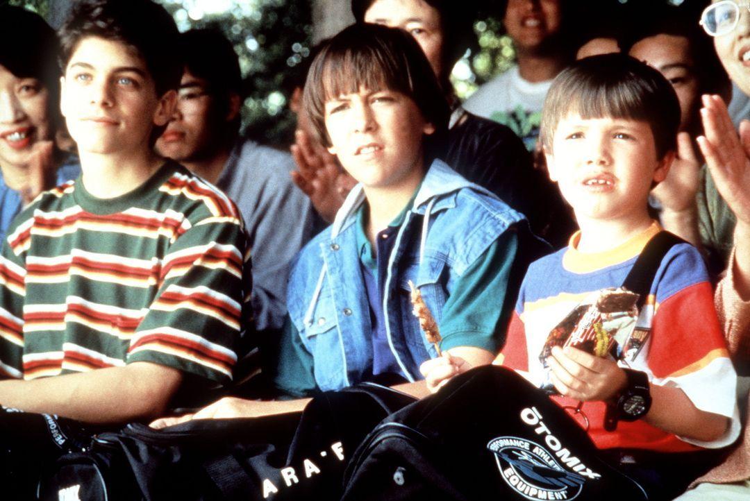 Die drei Ninja-Kids Rocky (Sean Fox, l.), Colt (Max Elliott Slade, M.) und Tum Tum (Evan Bonifant, r.) interessieren sich nicht nur für Kampfsport,... - Bildquelle: Columbia TriStar