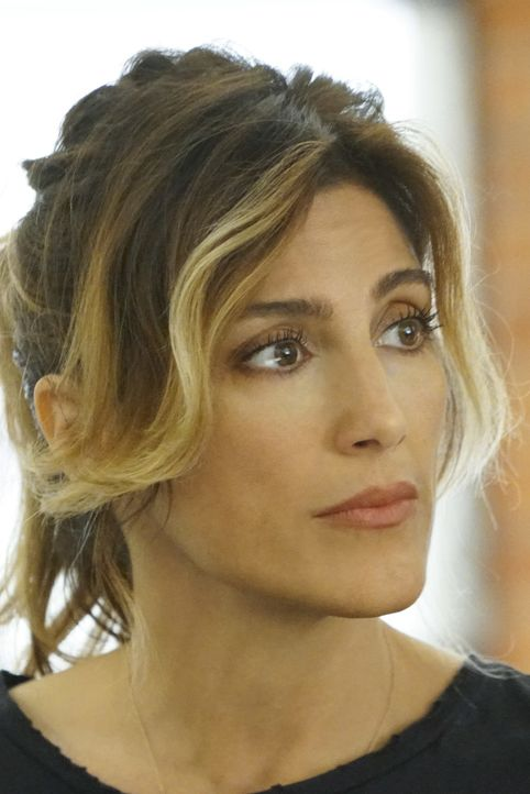 Special Agent Alex Quinn (Jennifer Esposito) soll Gibbs Team beschatten ... - Bildquelle: Adam Taylor 2016 CBS Broadcasting, Inc. All Rights Reserved / Adam Taylor