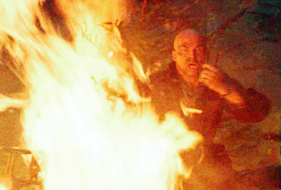 Ein höllisch heißes Inferno ... - Bildquelle: New Concorde