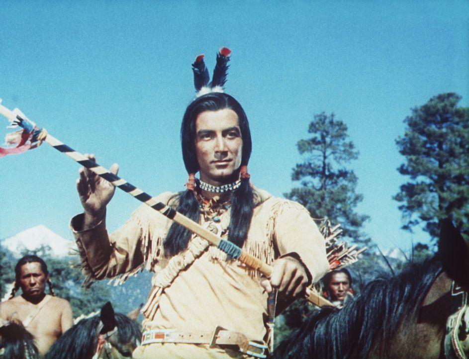 Der Häuptling der Sioux Sayapi (Ray Danton) umwirbt das junge Indianermädchen Wahleeah, doch er ist nicht der Einzige ...