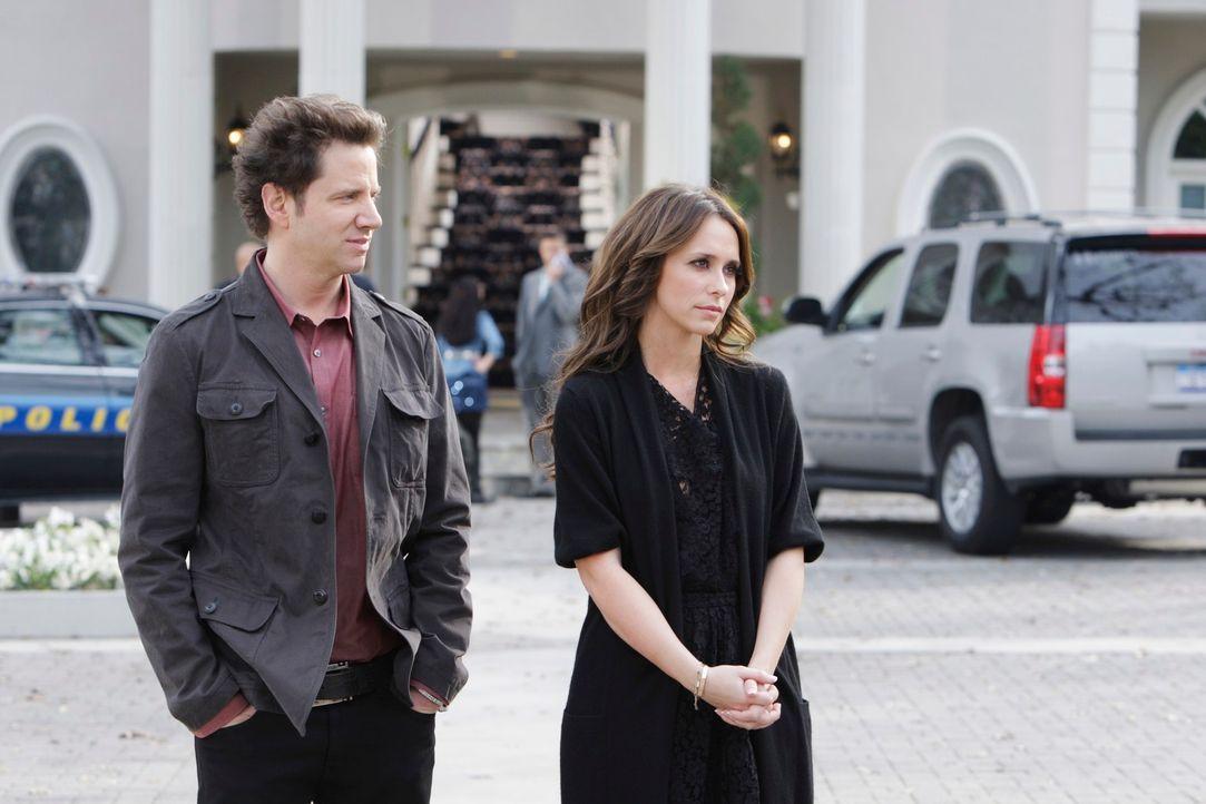 Die äußerst verzwickte Situation scheint sich endlich aufzuklären: Eli James (Jamie Kennedy, l.) und Melinda (Jennifer Love Hewitt, r.) sind sehr fr... - Bildquelle: ABC Studios