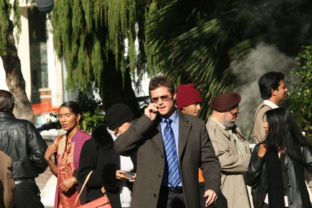 Versucht Licht ins Dunkle zu bringen: Martin Fitzgerald (Eric Close) ... - Bildquelle: Warner Bros. Entertainment Inc.