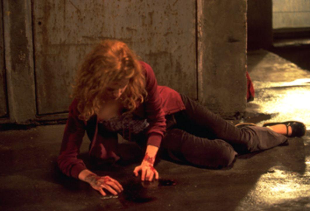 Auch Rosy (Alexis Dziena) ist nicht sicher vor der Riesenschabenmutation ... - Bildquelle: Dimension Films