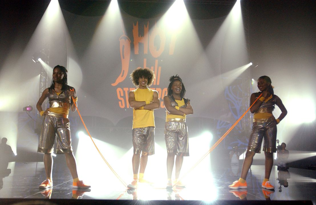 Legen eine grandiose Seilspring-Show hin: (v.l.n.r.) Shanica (Shauna Keaton), Izzy (Corbin Bleu), Laivan (Keisha Ray) und Mary (Keke Palmer) ... - Bildquelle: Buena Vista International Television