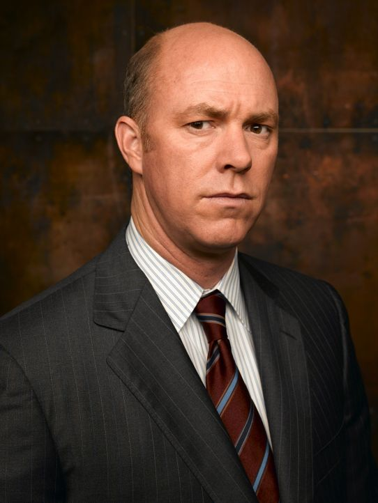 (1. Staffel) - Nach und nach kann Jim Dunbar sich bei Lieutnant Gary Fisk (Michael Gaston) Respekt verschaffen ... - Bildquelle: TM &   2006 CBS Studios Inc. All Rights Reserved.