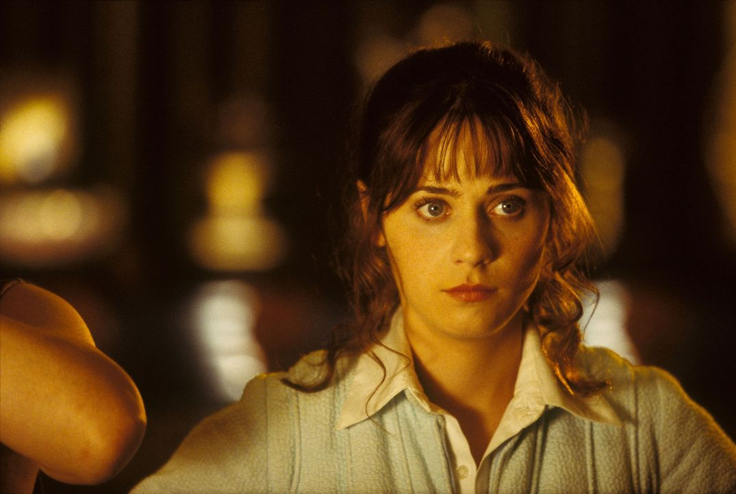 Seine Traumfrau Trillian (Zooey Deschanel) meldet sich nicht, das Bulldozer-Kommando steht bereits vor dem Haus, um es abzureißen und sein bester Fr... - Bildquelle: Touchstone Pictures (C) Spyglass Entertainment. All Rights Reserved