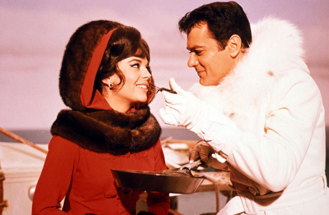 Maggie Dubois (Natalie Wood, l.); The Great Leslie (Tony Curtis, r.) - Bildquelle: 1965 Warner Bros. Entertainment Inc. and Patricia-Jalem Reynard Company. Renewed   1993 Jalem Productions, Inc., Blake Edwards, Tony Curtis and Warn