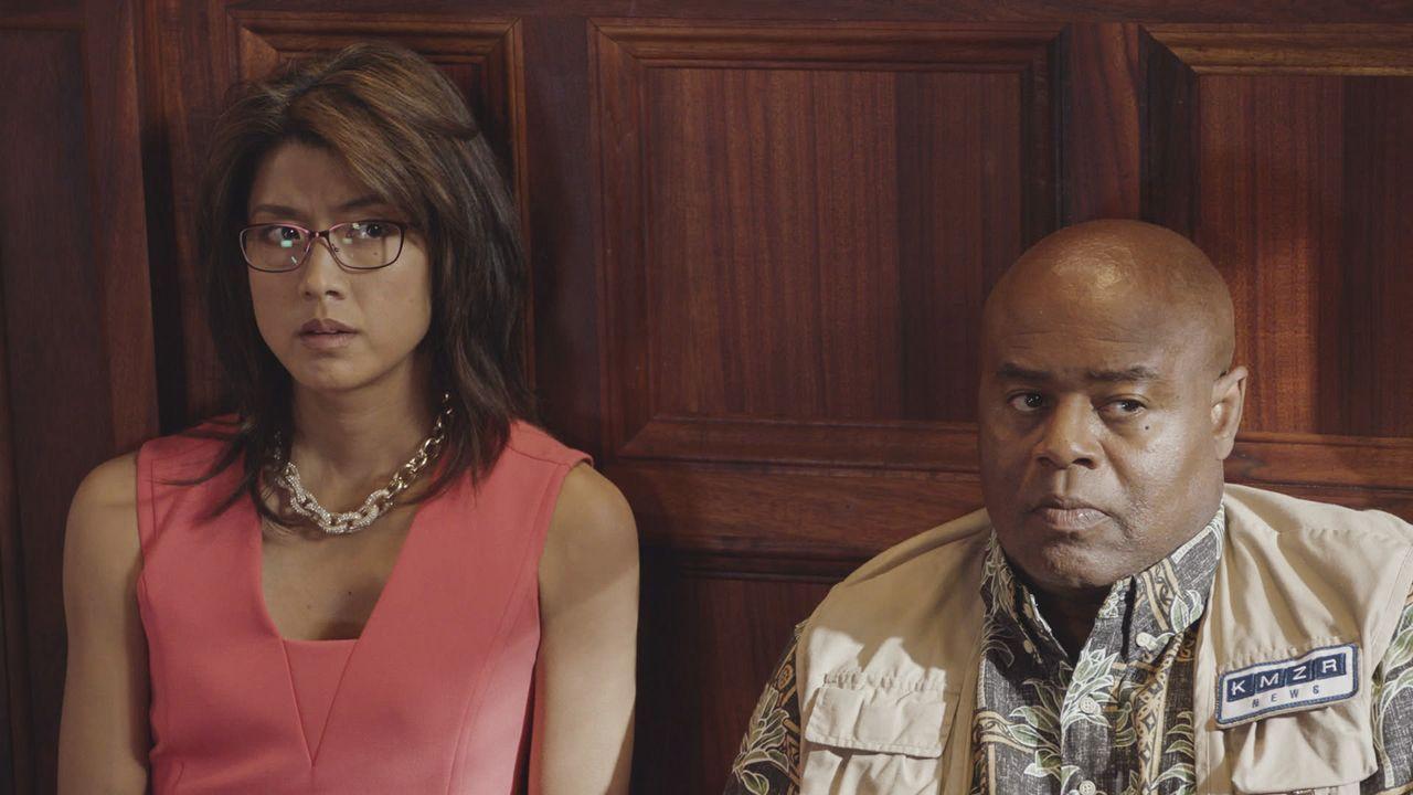 Als Kono (Grace Park, l.) und Lou (Chi McBride, r.) sich bereit erklären, bei einer Geiselnahme undercover zu ermitteln, ahnen sie nicht, dass sie s... - Bildquelle: Norman Shapiro 2016 CBS Broadcasting, Inc. All Rights Reserved