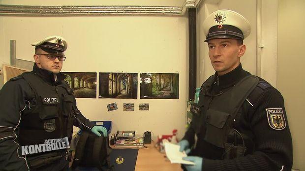 Achtung Kontrolle - Achtung Kontrolle! - Thema U.a.: Betrunkener Schwarzfahrer Im Ice - Bundespolizei Dresden